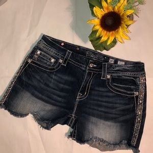 Miss Me Mid-Rise Easy Shorts Frayed Bottoms